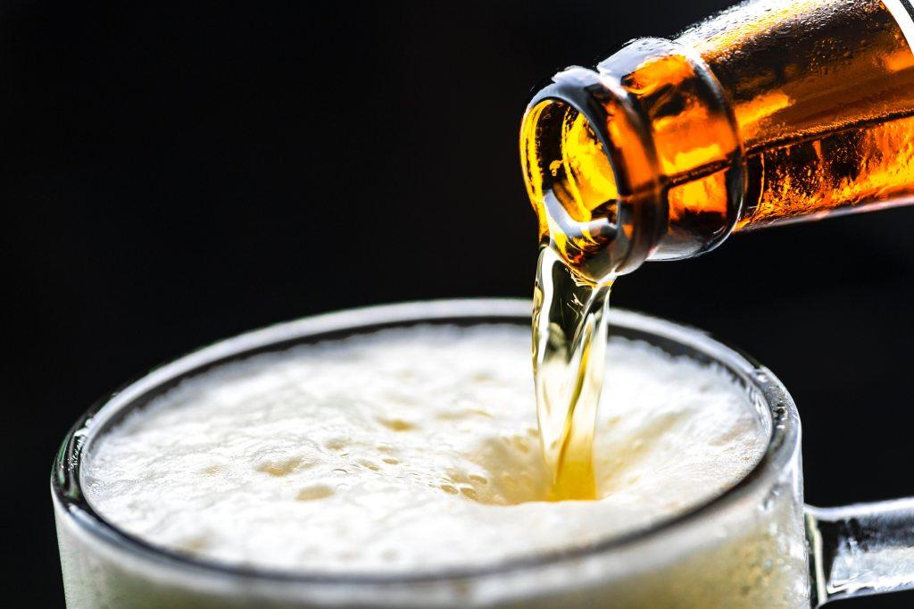 alcohol-beer-beverage-1128975